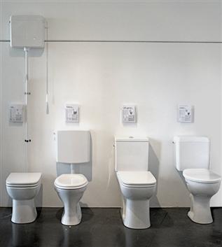 18 - verhoogde staande wc's